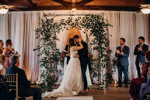 lindsey-paradiso-photography-silk-mill-elise-travis-wedding-1291_websize